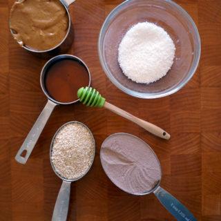 5-Ingredient Peanut Butter Energy Bites