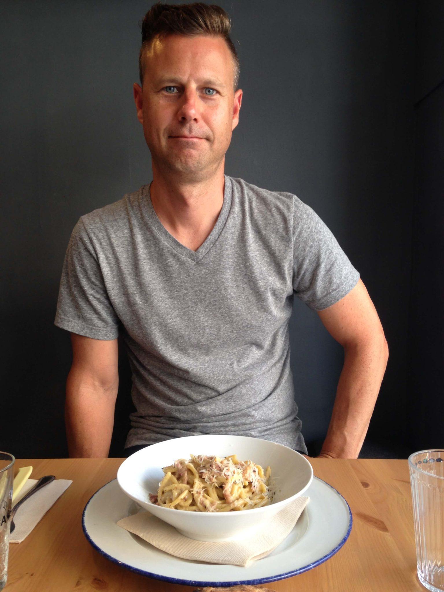 jeremy eating pasta