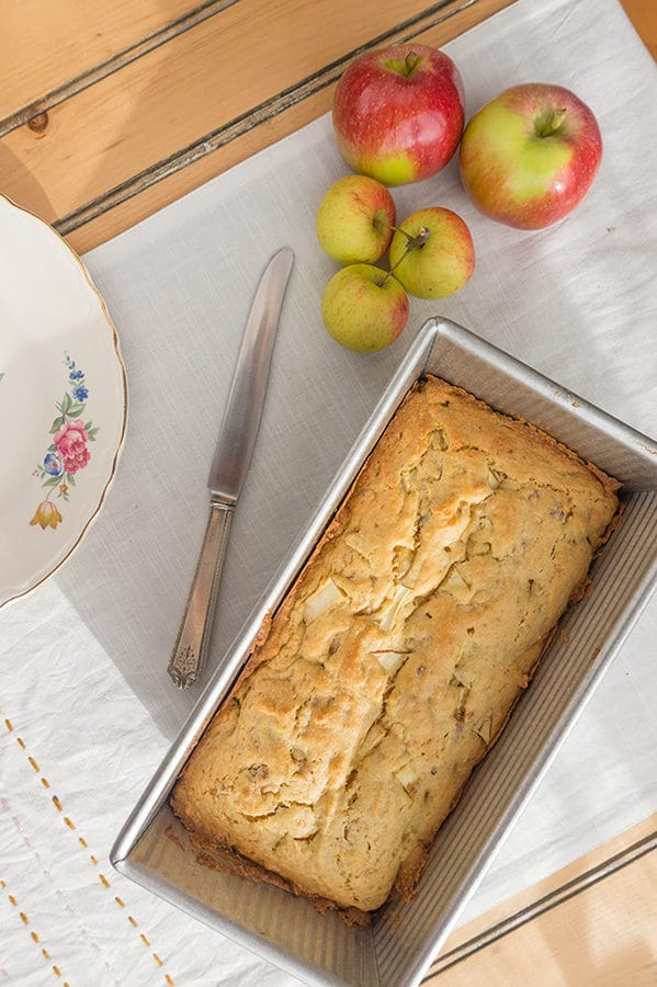 Ninis Apple Bread