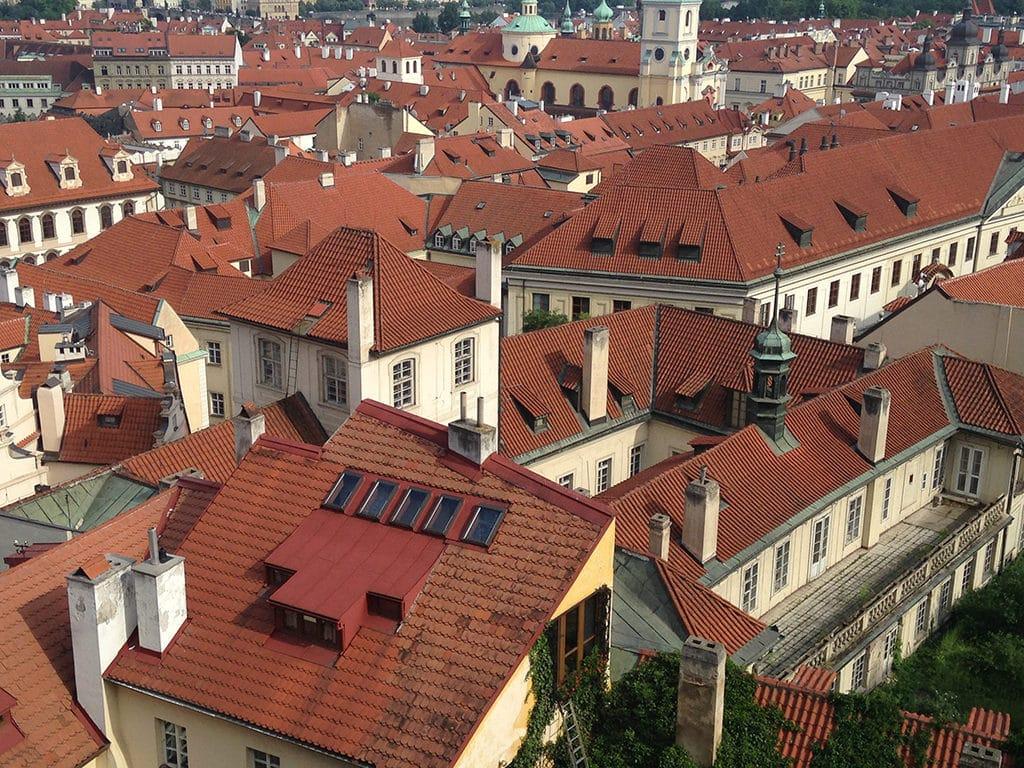 Traveling + Eating - Prague + a Recipe for Apple Honey Lemonade | SUMMER | TRAVEL | CZECH REPUBLIC | PRAGUE | Recipe at OatandSesame.com