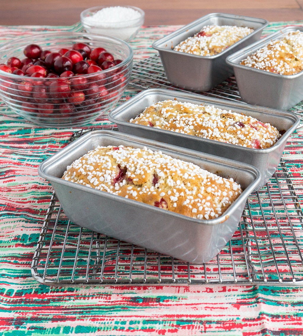 cranberry walnut bread in little loaf pans