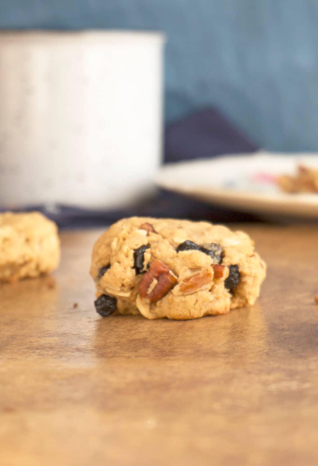 Coconut Cashew Oatmeal Cookies - Vegan + Gluten Free | Recipe at OatandSesame.com