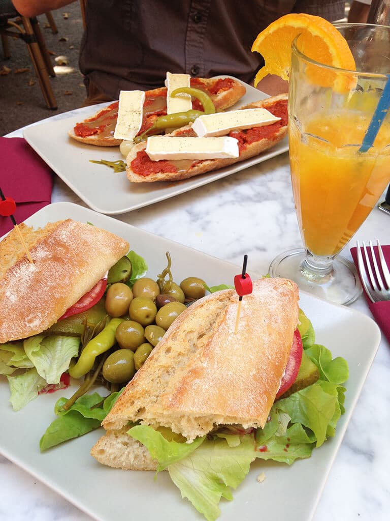 Sandwiches in Arta